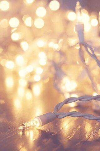 File:573dd9331383f00767d4677c72e46e40--christmas-lights-background-white-christmas-lights.jpg