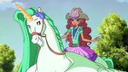 Aisha Cowgirl S8E18