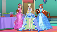 Stella Royal Gown S8E17 (3)