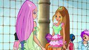 Krystal, Flora - Episode 525 (2)