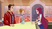 Gomez, Evans and Roxy - WOW Episode 102