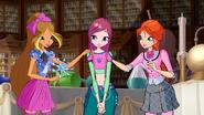 Roxy, Bloom und Flora 610 02