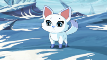 Sapphire Fuchs Ganzkörperansicht