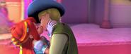 Блум целует замаскированного Ская ВП