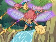 Феи-амазонки у водопада