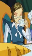 Гриезьда пьёт чай
