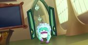 Сквонк вбегает в класс