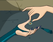 Блум отдаёт кольцо-2 1х5