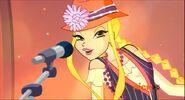 Стелла поёт