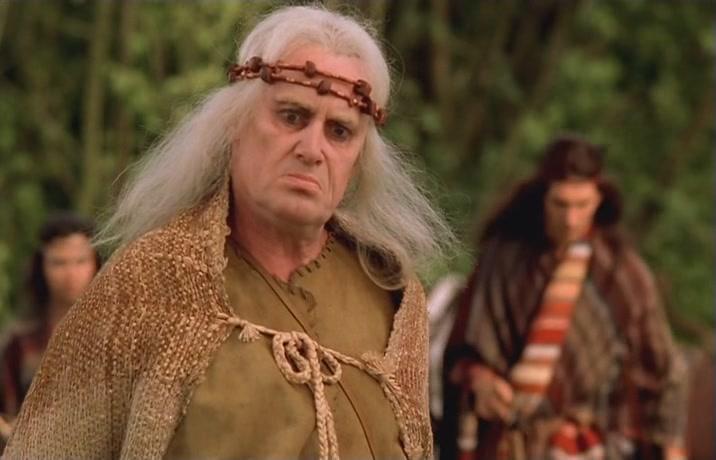 Daniel Olbrychski è Filavandrel in The Hexer.