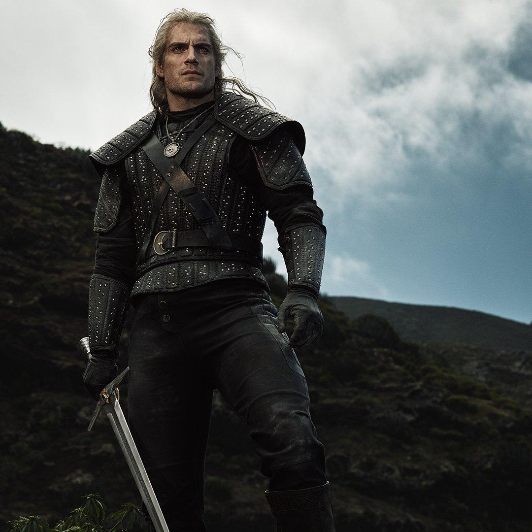 https://vignette.wikia.nocookie.net/witcher/images/b/bb/Netflix_Geralt_full.jpg/revision/latest?cb=20190701171315