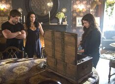 Witches of East End - Episode 2.09 - Smells Like King Spirit - Promotional Photos (10) FULL