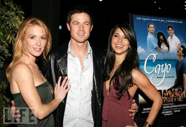 File:Roselyn Sanchez, Poppy Montgomery & Eric Close.jpg