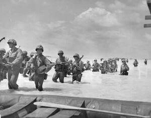Marines-wade-ashore-at-tarawa