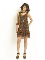 93325-selena-gomez-selena-for-wizards-of-waverly-place