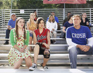 1x15 alex and harper watching the game