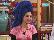 Alex with a towel 1x16