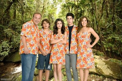 Wizards-Of-Waverly-Place-The-Movie-1-