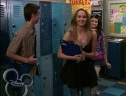 1x09 alex in the high school with susan and zeke 2