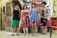 Selena-gomez-zelzar-beach-day-10