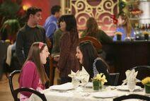 1x03 alex and harper at restaurant