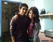 2x20 Selena