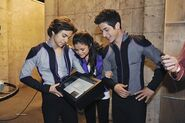 4x27 selena, jake and david with the wands