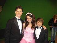 Selena, david and Jake 1x20