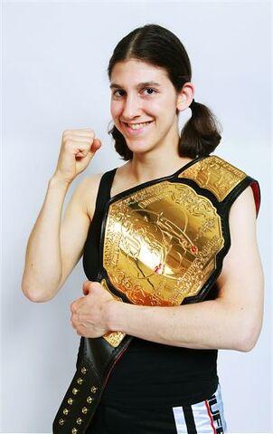 File:Roxanne-modafferi-belt-pose.jpg