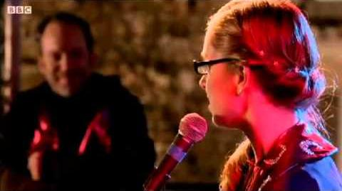 Shannon sings (WolfBlood)