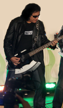 File:220px-349px-GeneSimmons.png