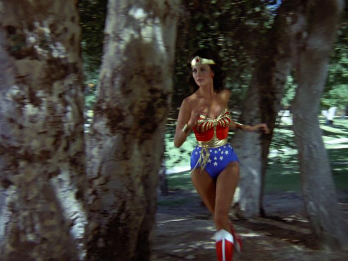 Wonder woman the return of wonder woman-2104