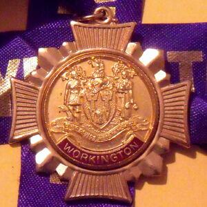 Medal crop