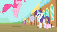 Pinkie Pie hopping S4E08