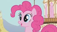 Pinkie Pie gets an idea S1E04