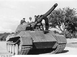 Bundesarchiv Bild 146-1969-107-58, Panzer V -Panther-