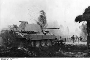 Panther of the Großdeutschland division fighting with infantry support, Russia 1944
