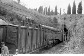 Krupp K5 Anzio Annie leaving its shelter, March 1944