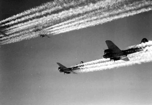 File:B17 Bombing Run.jpg