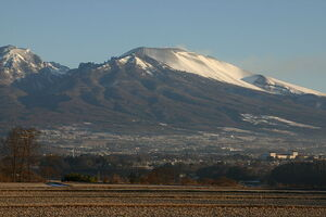 800px-Mt.Asama (From saku city)