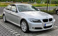1920px-BMW 3er (E90) Facelift 20090720 front