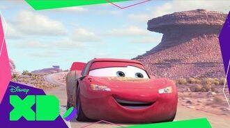 Cars Bajo el Capó con Rayo McQueen Ruedas Superveloces