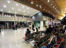 440px-108年10月花蓮車站3樓剪票口及候車大廳