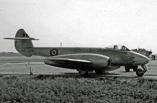 Gloster Meteor F 4 VT340 Fairey Ringway 21 07 55 edited-2