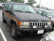 1993-Jeep-Grand-Wagoneer-Front