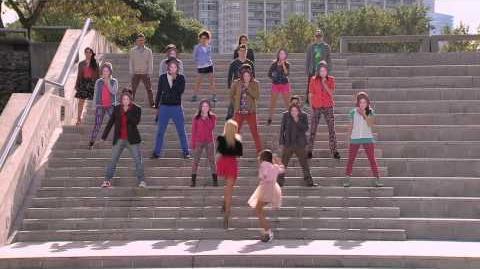 Violetta Video Musical ¨Si Es Por Amor¨