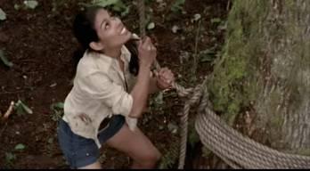 File:Amber trying to save Jonesy.jpg