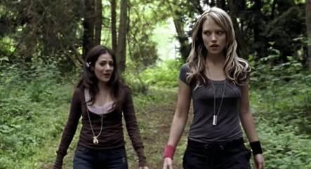 File:Mara and Nina.jpg