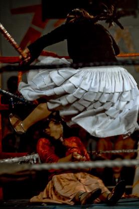 Cholita wrestling bolivia3 Joel Alvarez