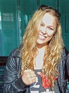 446px-Ronda Rousey retouch